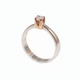 Δαχτυλίδι λευκόχρυσο μονόπετρο Κ18 με ροζ χρυσό δέσιμο και μπριγιάν 0,27ct συνολικό βάρος 3,78gr