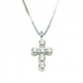 White gold cross K18 with round brilliant 0,12ct. Chain length 40cm